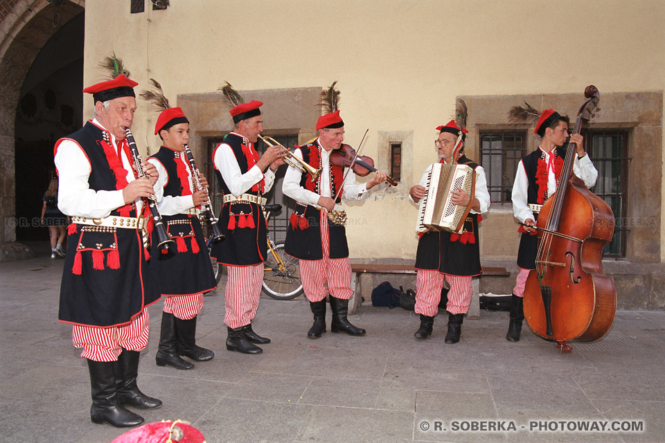 Images Photos d'un orchestre folklorique polonais photo reportage à Cravovie