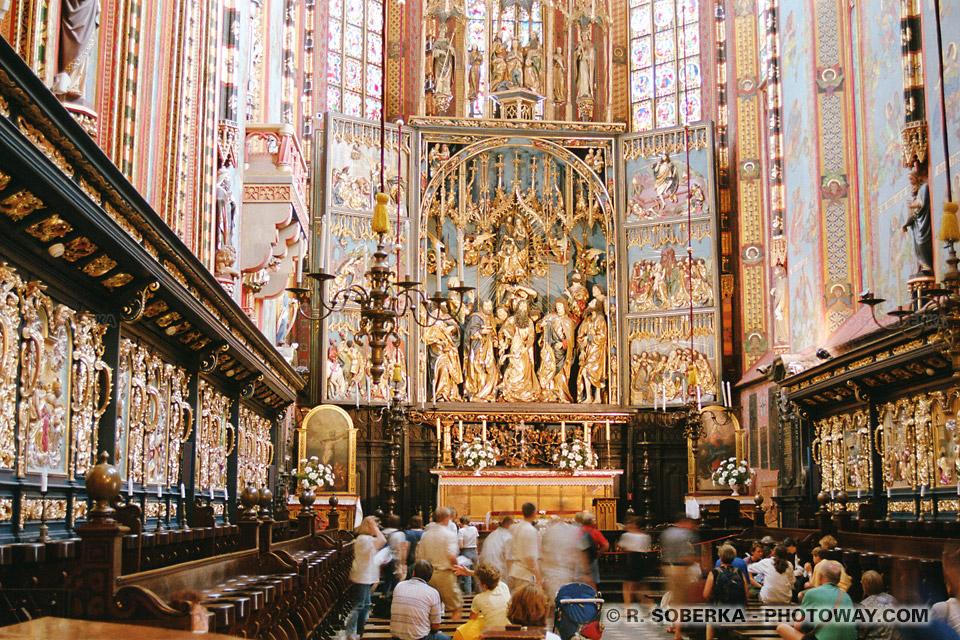 Images et Photos de triptiques photo du Retable de Vit Stwosz Cracovie Pologne