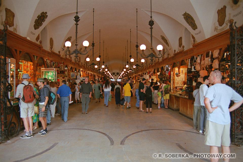 Images Photos de l'artisanat polonais photo des Sukiennice boutiques Cracovie