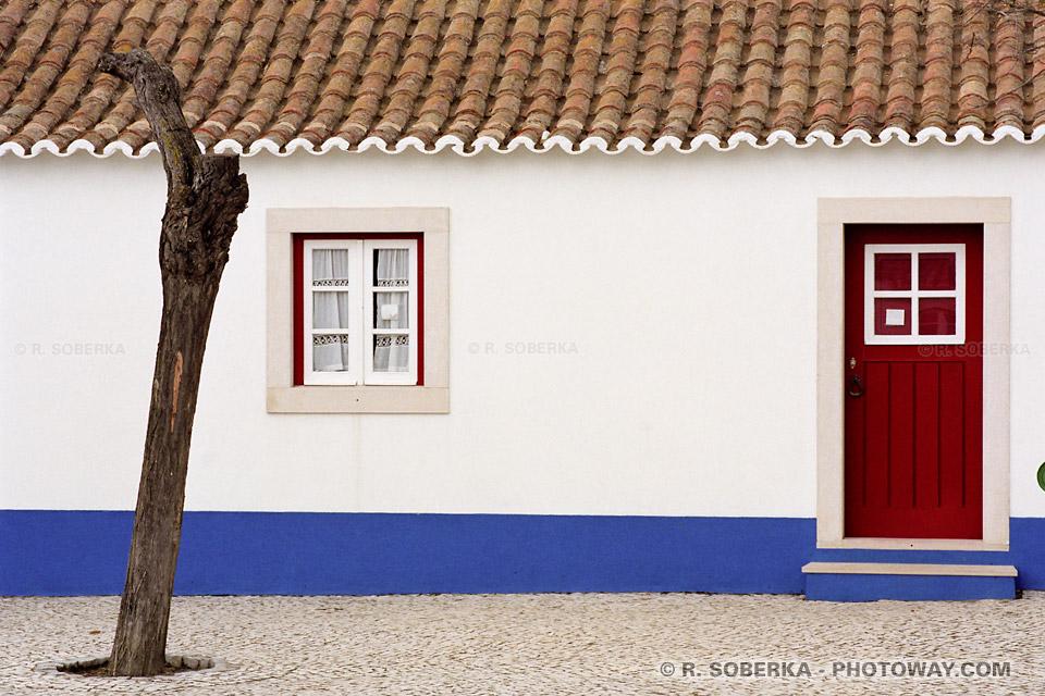 Photo maisons bleues et blanches, photo de Porto Covo au Portugal