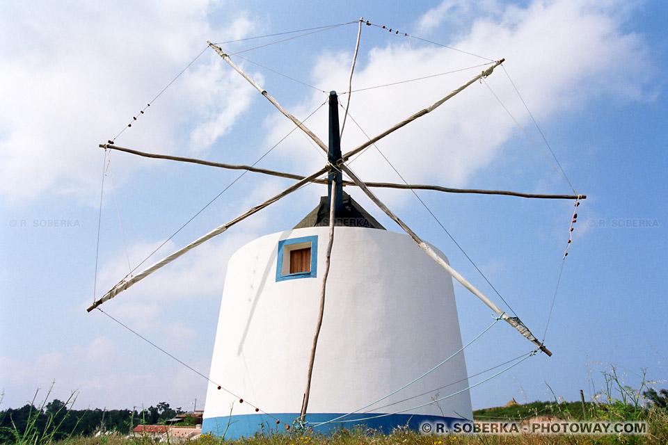Photo d'un moulin à vent photos de moulins à Odeceixe au Portugal