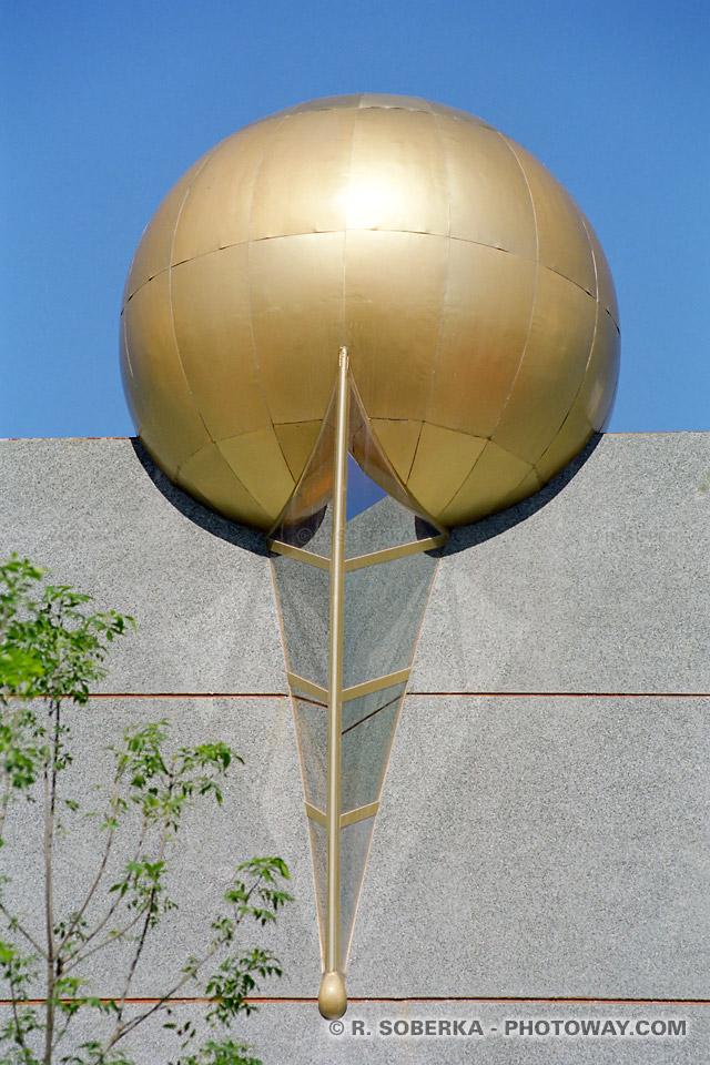 Photos d'une sphère du pavillion de la Réalité Virtuelle - photo des pavillions de l'expo
