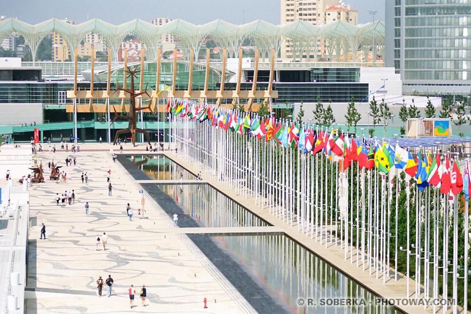 Photos des drapeaux : photo de drapeaux à l'Expo 98 de Lisbonne au Portugal