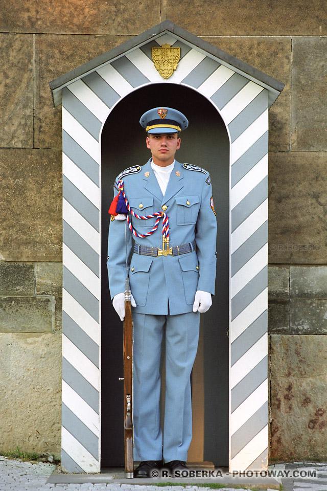 images Photos de militaires à Prague photo de gardes en République Tchèque