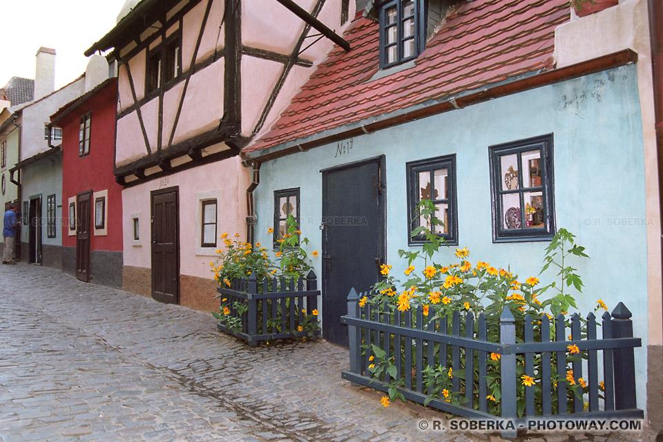 Images Photos de rues du Moyen Age photo de la ruelle Dorée à Prague