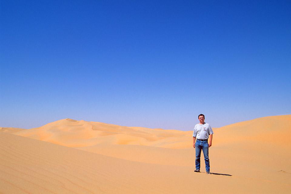 Richard Soberka dans le désert aux émirats arabes unis