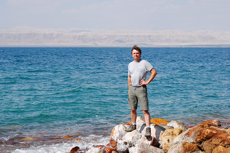 Richard Soberka au bord de la mer morte en Jordanie