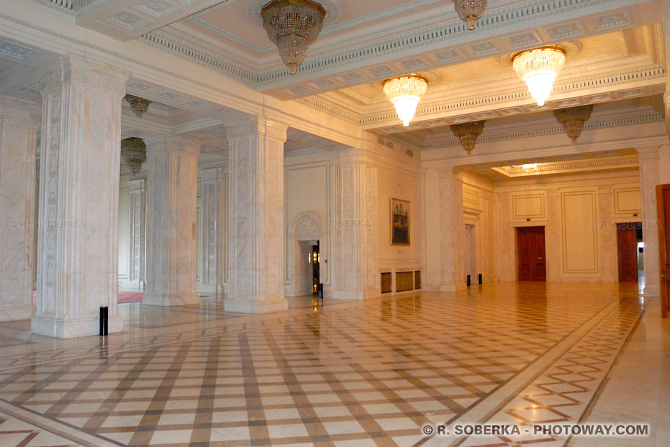 Images de la Visite du Palais de Ceausescu visite palais du parlement à Bucarest