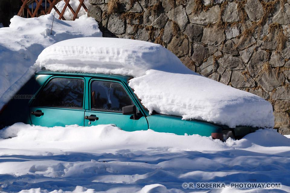 Image Photo neige photos de la neige photo des neiges des Carpates Roumanie