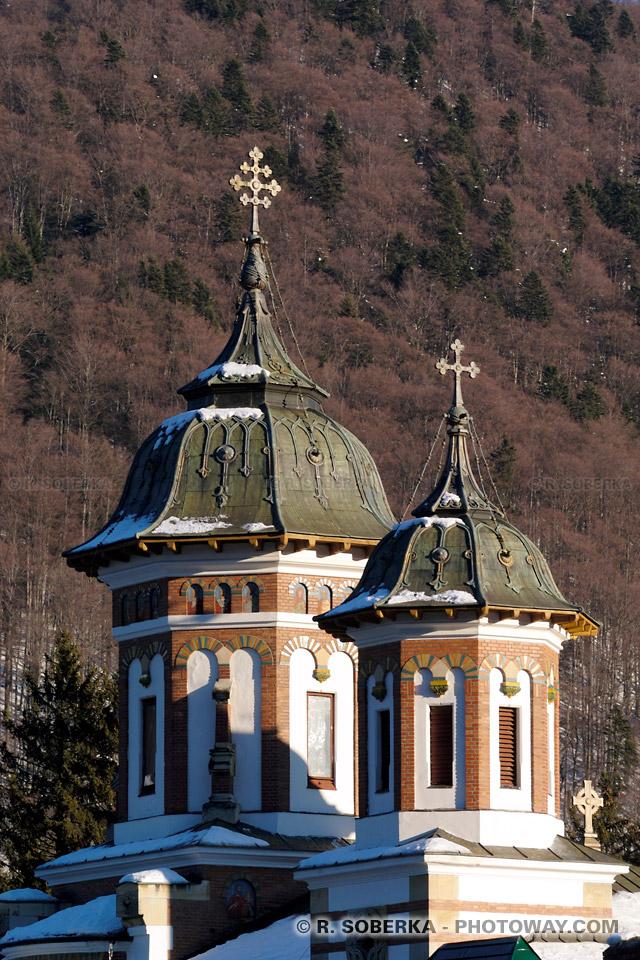 Images et Photos des clochers du clocher du monastère de Sinaïa en Roumanie