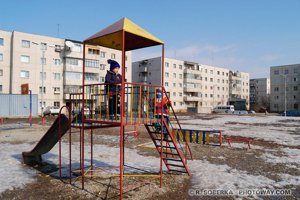 Image du sentiment d'insécurité: photos des cités de banlieue en Roumanie