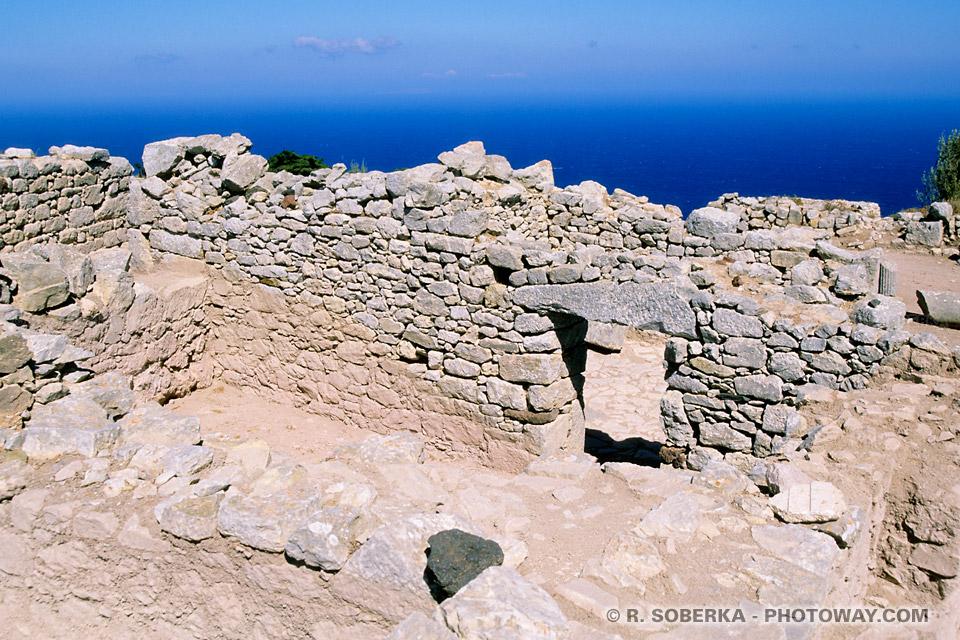 ruines maisons ancienne Théra à Santorin