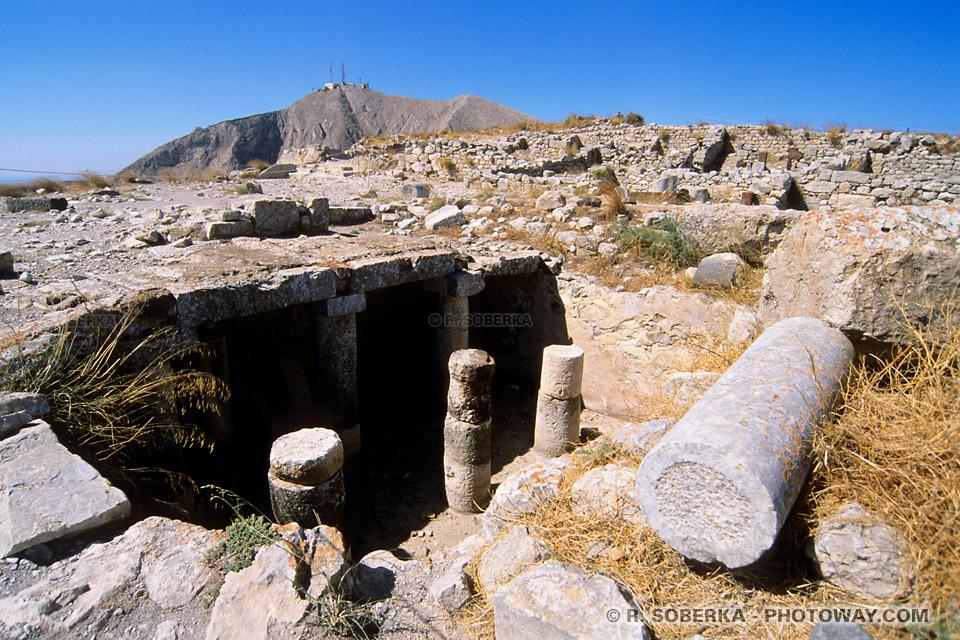 fouilles archéologiques ancienne Théra à Santorin