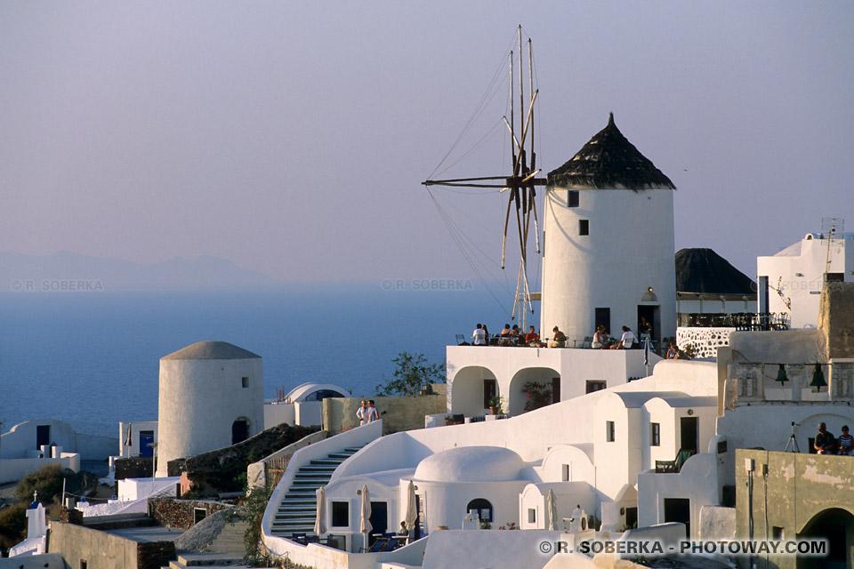 Image de moulin à vent à Santorin