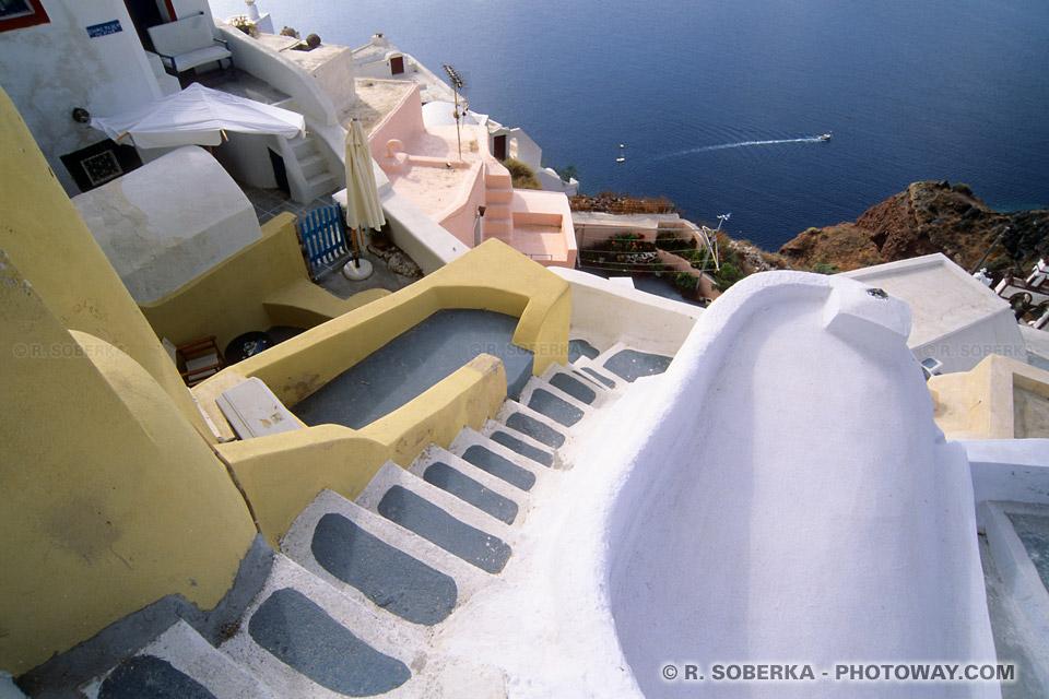 escaliers à Santorin dans îles grecques
