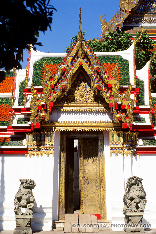 image des arts Asiatiques dans les temples de Bangkok