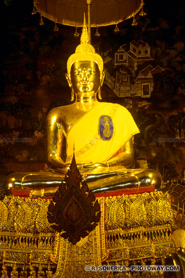 Photos de feuilles d'or dans les temples de Bangkok