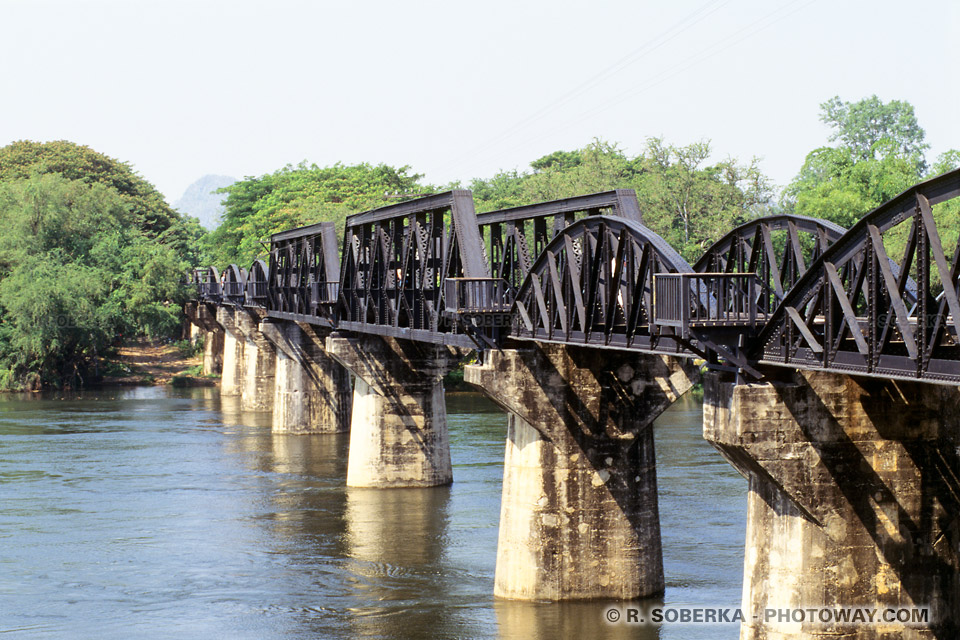 Photo du Le pont de la rivière Kwai datant de la seconde la guerre mondiale