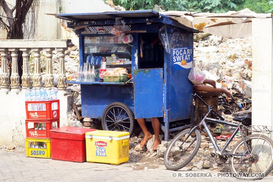Photo d'un magasin de rue à Jakarta en Indonésie