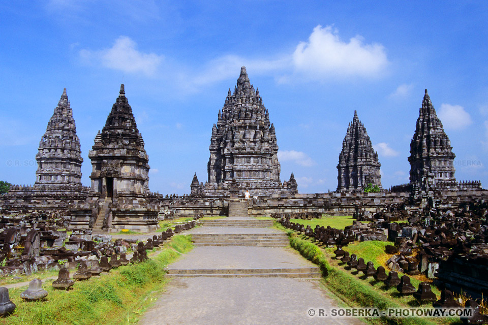 Viste de l'indonésie : ici Temple de Prambanan site classée par l'UNESCO