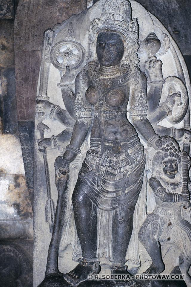 Images de Brahma, de Shiva, de Vishnu