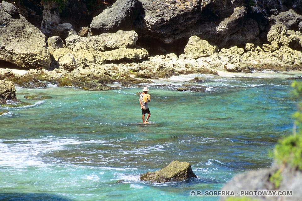 Photos des rochers du rivage de l'océan Indien à Bali