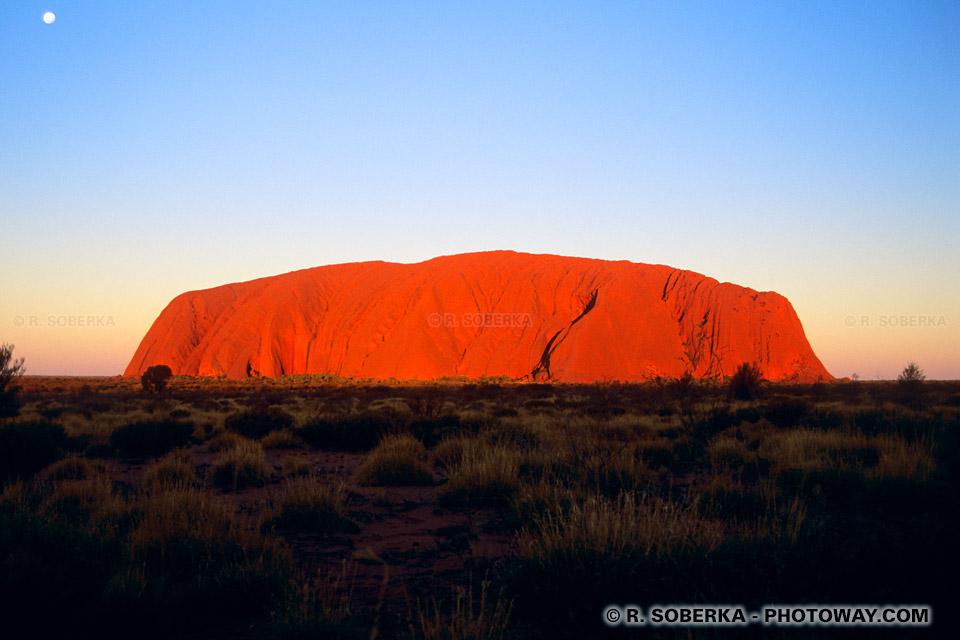 Photos d'Ayers Rocks la montagne rouge en Australie
