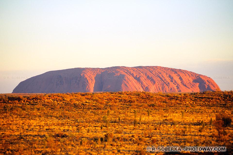 Photo d'Ayers Rock - info sur les Aborigènes