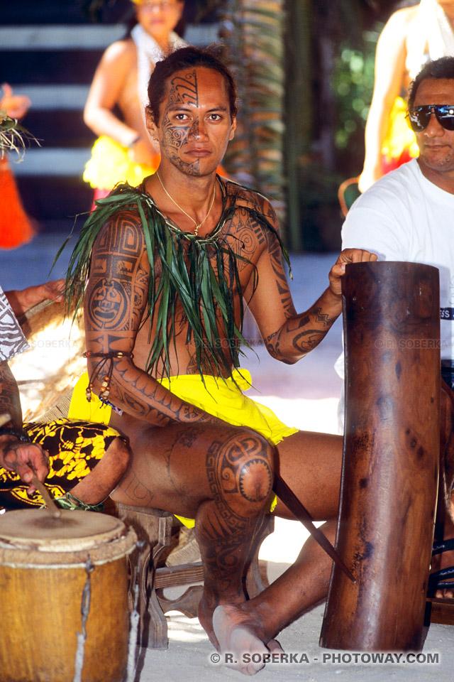 Photos d'hommes tatoués photo tatouage d'un homme tatoué ...