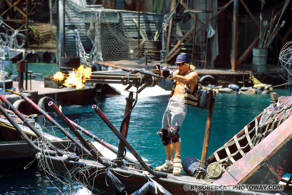 Photos de Mitrailleuses factice du film Waterworld
