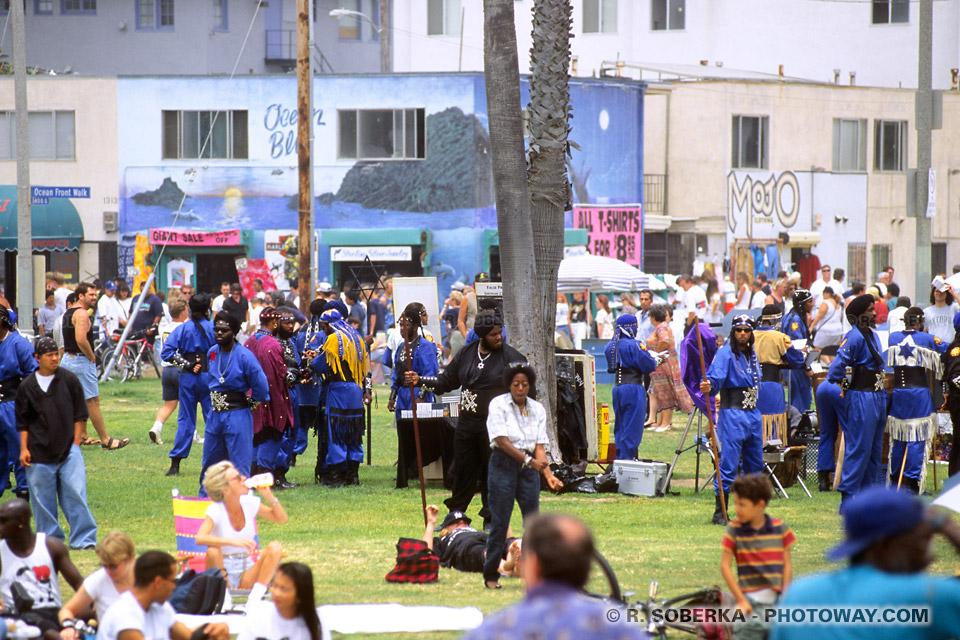 Photo du dimanche sur les pelouses de Venice Beach en Californie