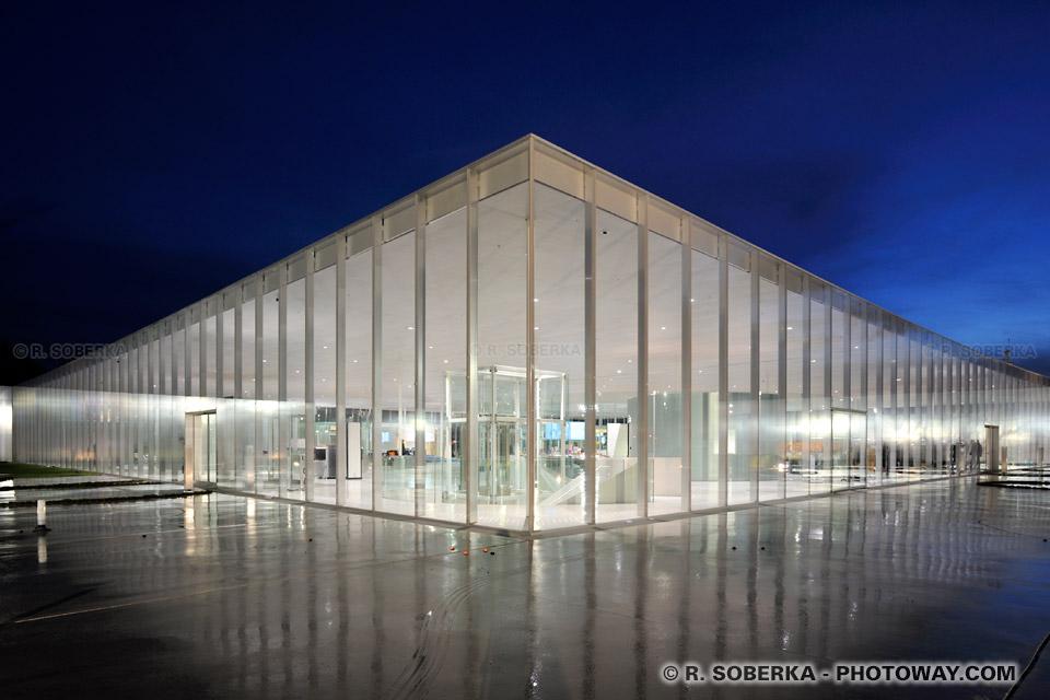 Photo mus e du louvre lens photos france for Photo d architecture